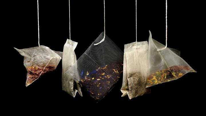 tisanes tea bags hanging