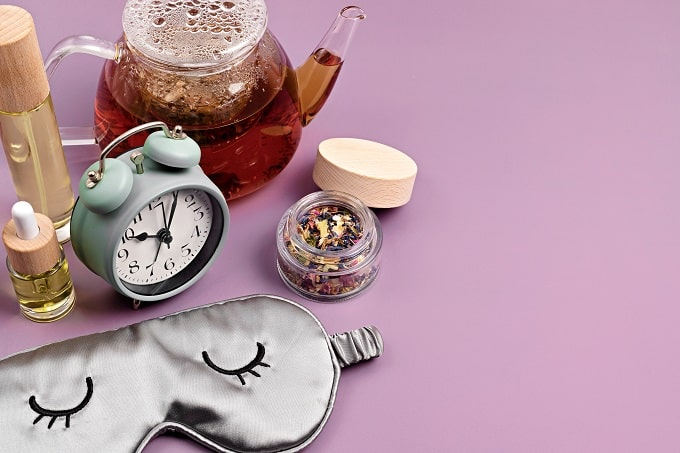 Natural supplements, herbal teas and aromatherapy to achieve a good nights sleep